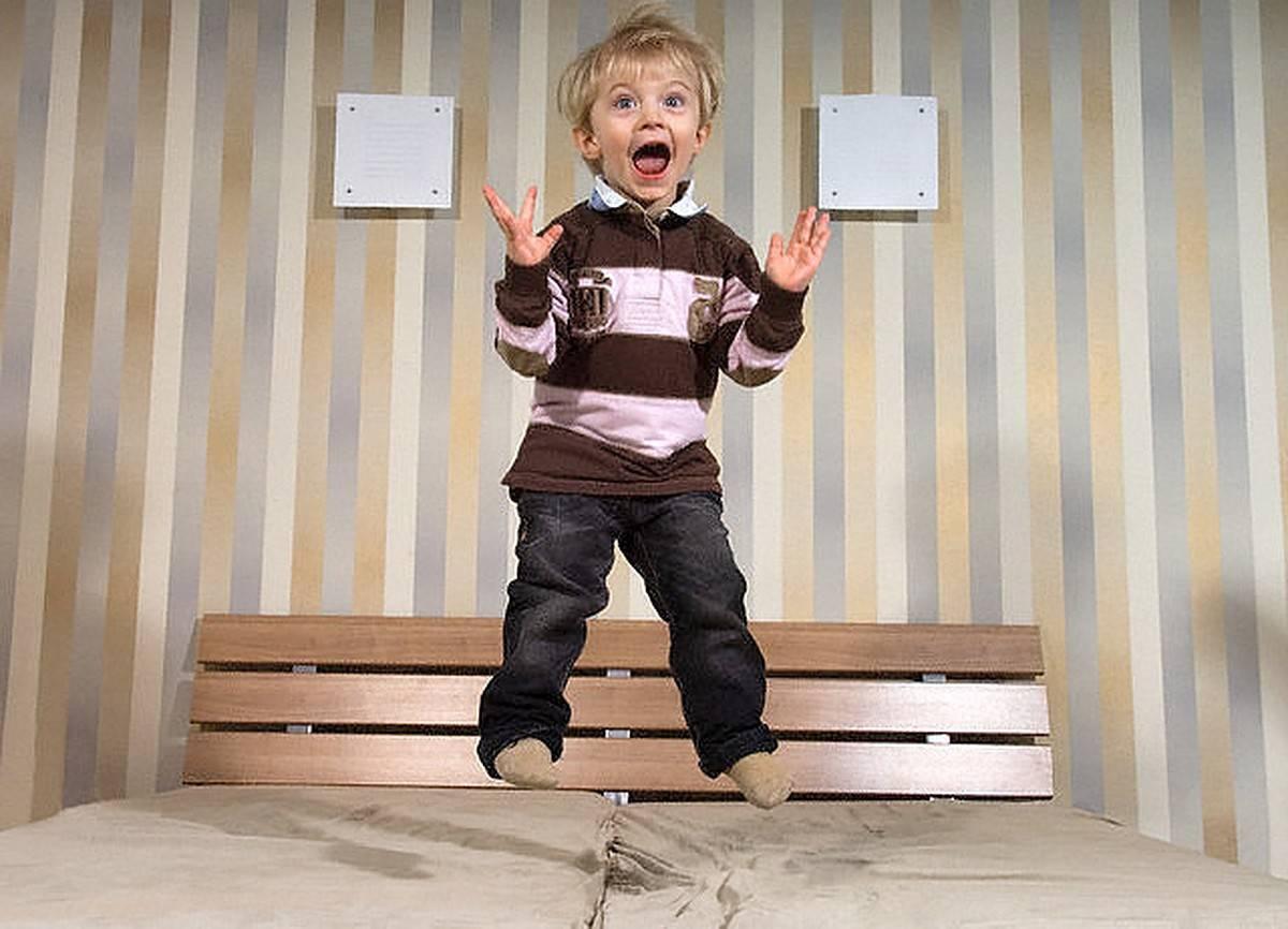 Ребенок капризничает после прививки бцж