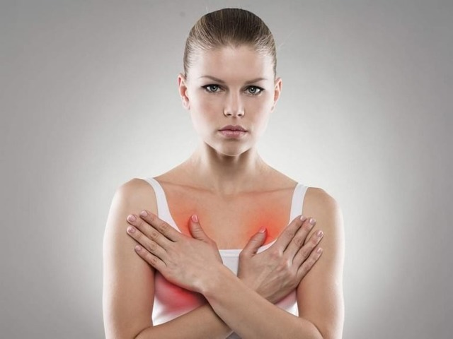 Почему набухла грудь после месячных