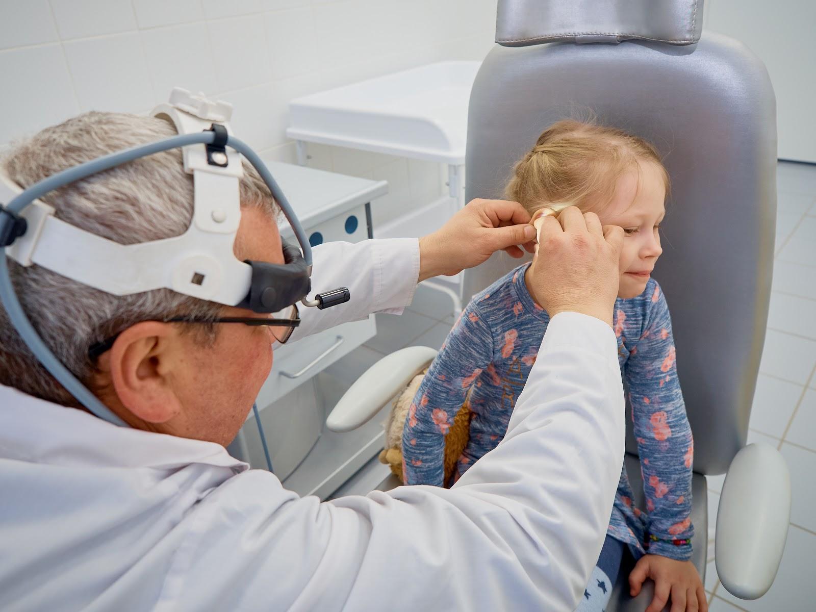Хронический средний отит: симптомы и лечение у взрослых и детей
