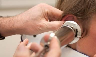 Пробка в ухе: как удалить в домашних условиях