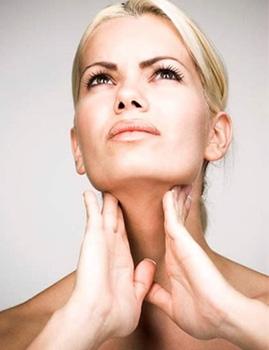Каковы признаки тиреоидита и как лечить это заболевание щитовидной железы