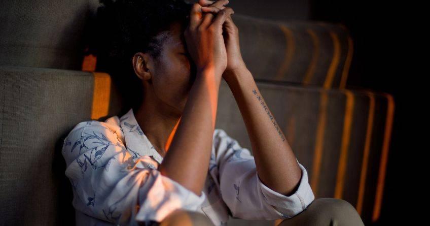 С какой болезнью предстоит бороться если болит горло и кашель