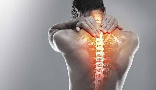 Почему болит спина при кашле