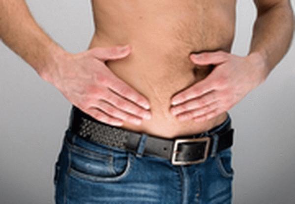 Узнаем, о чем говорит боль в районе пупка у мужчин?