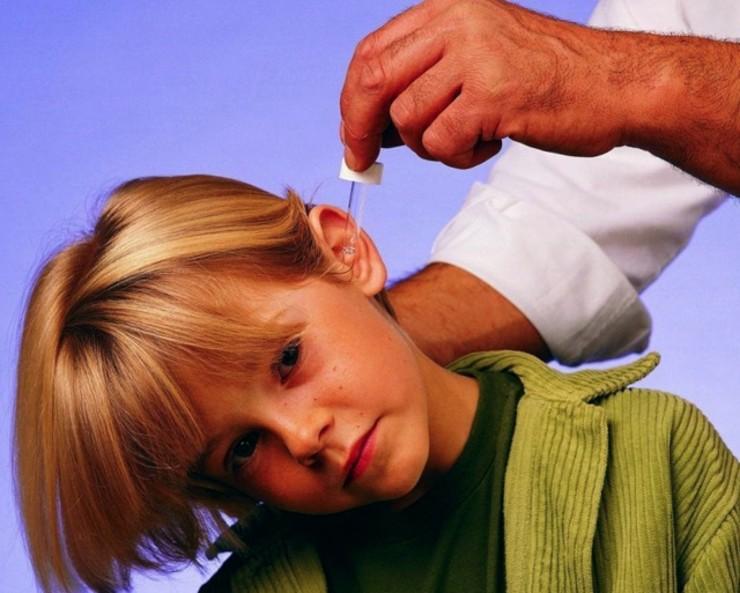 Борный спирт в ухо: инструкция по применению, как капать и можно ли
