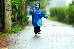 Можно ли гулять при бронхите: положительные и негативные моменты