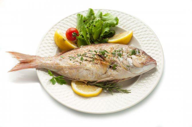 C какой рыбы начинать первый прикорм ребенка (до года): когда и как вводить