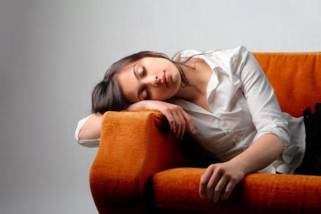 Чем опасен долгий сон — признак болезни или просто усталость