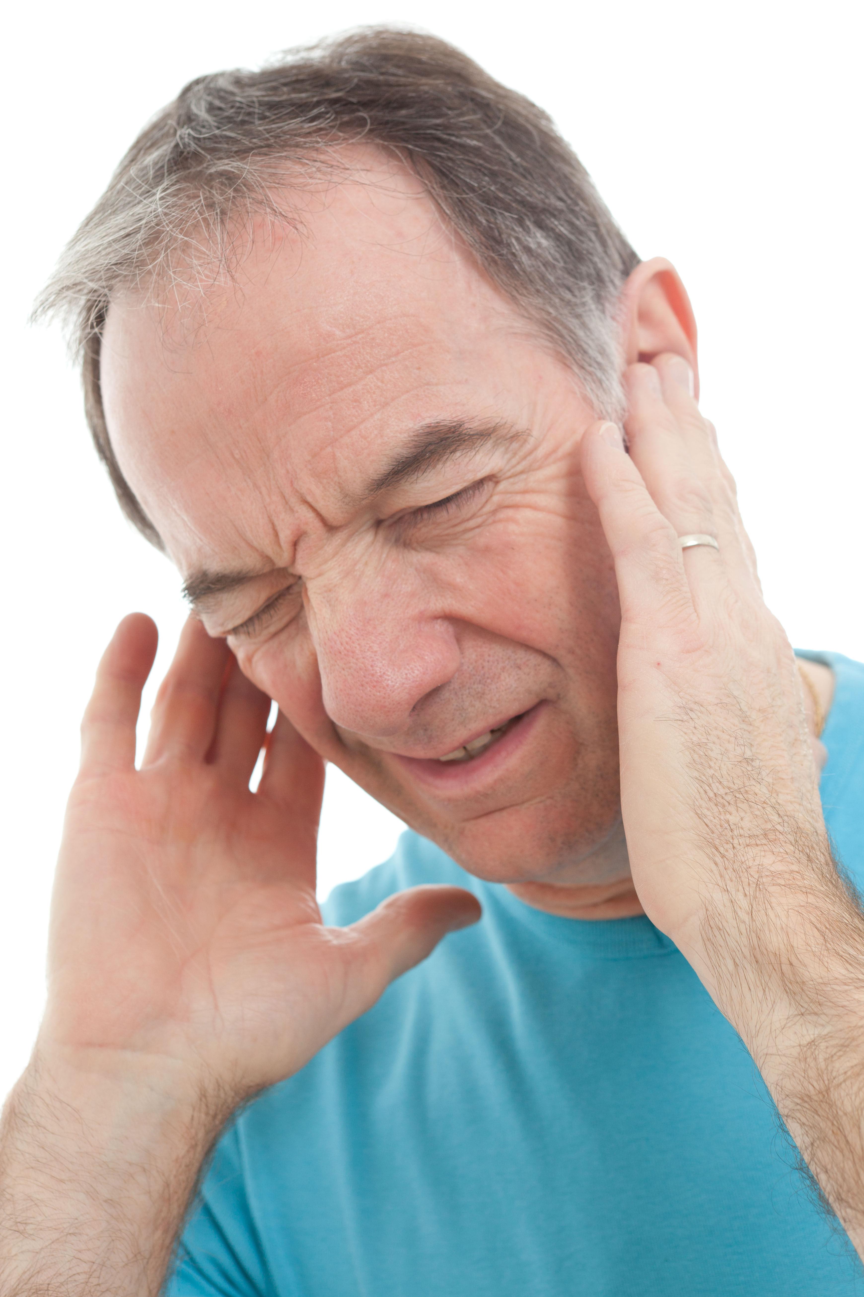 Лечение грибка в ушах у человека, причины и симптомы грибка