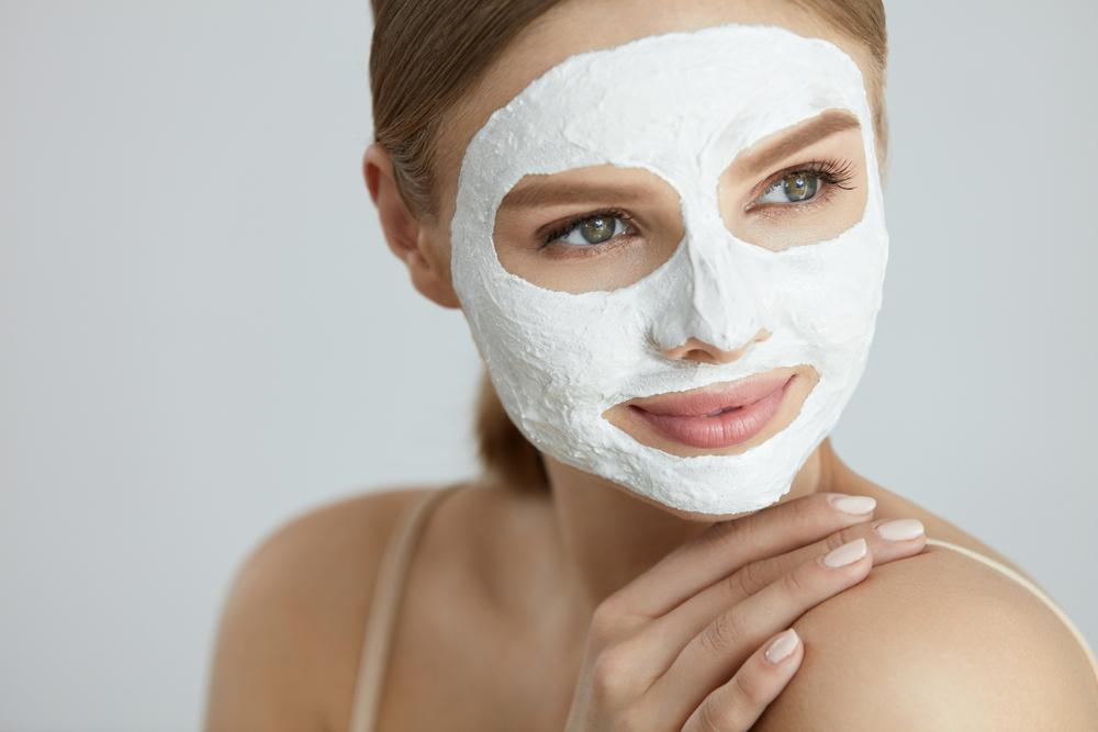 Лучшие рецепты увлажняющих масок для лица в домашних условиях