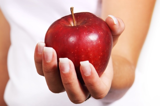 Почему слоятся ногти на руках: причины, лечение в домашних условиях