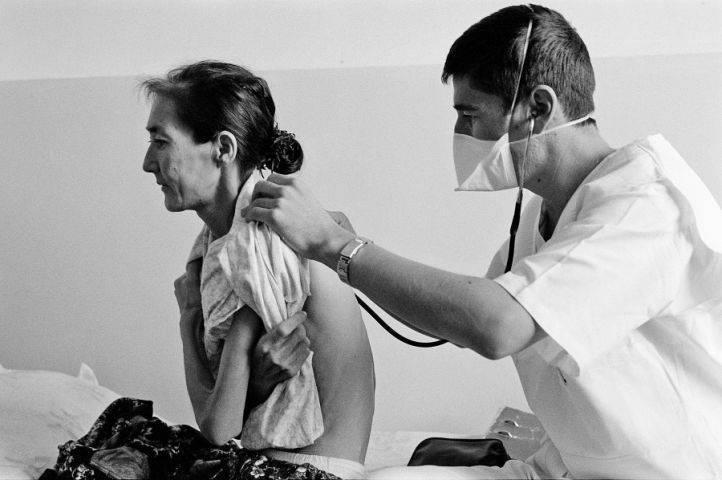 Можно ли лечиться от туберкулеза легких дома
