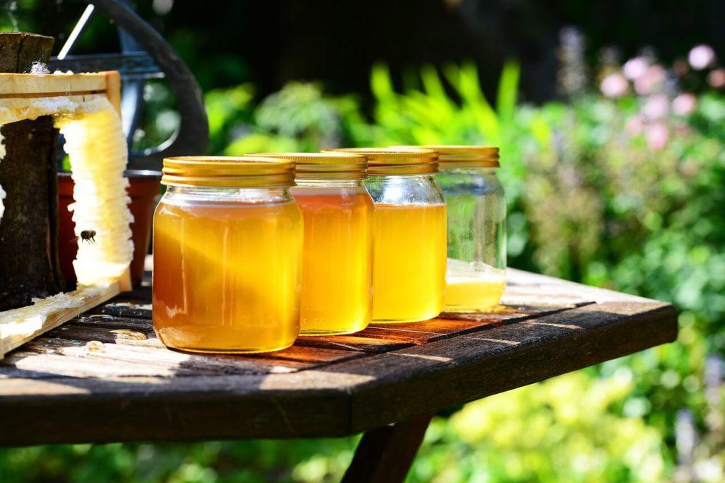 Из чего состоит натуральный пчелиный мед?