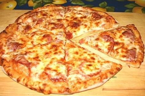 """Тесто для тонкой пиццы """"как пицца хат"""""""