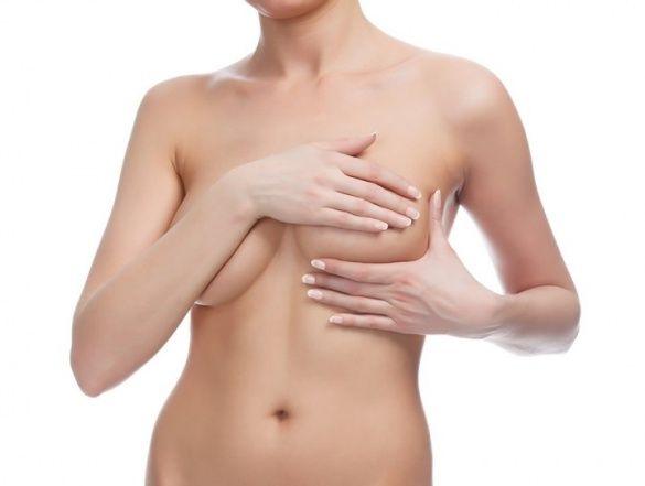 Как эффективно подтянуть обвисшую грудь у женщин в домашних условиях