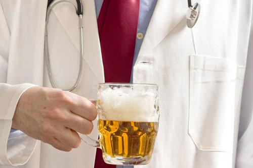 От чего помогает горячее пиво? как теплое пиво лечит кашель и простуду