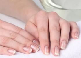 Заусенцы на пальцах рук: причины и лечение