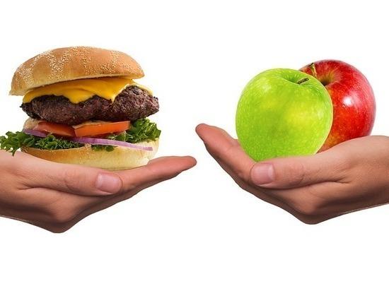 Диетологи назвали продукты, провоцирующие «зверский» аппетит