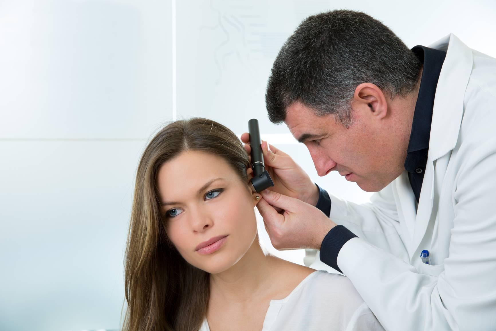 Как применять камфорное масло если болит ухо