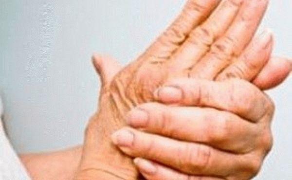Почему немеют руки, пальцы при беременности: причины, что делать