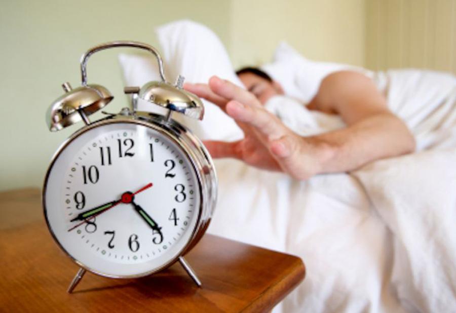 Нормальный режим сна и бодрствования для взрослого человека