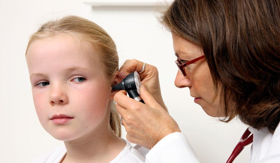 Отит: симптомы и лечение у детей