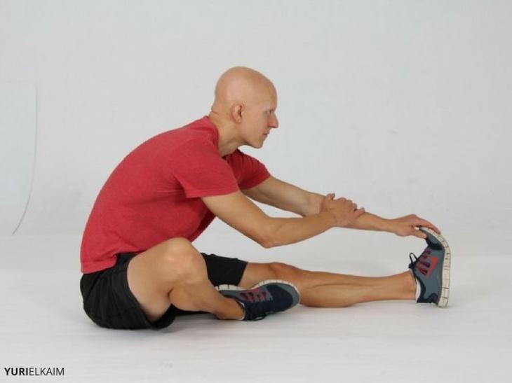 Как исправить сутулость — упражнения для осанки
