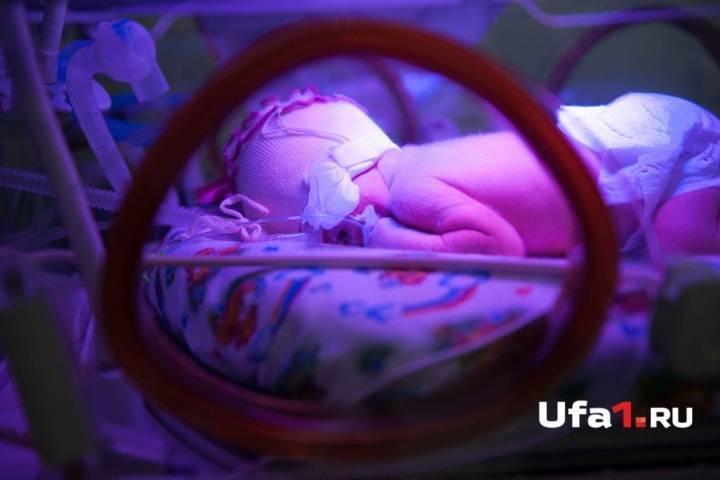 В чем особенности пневмонии у новорожденного после кесарево?