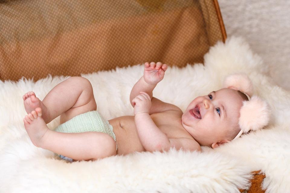 Почему мокнет пупок у новорожденного ребенка и что делать родителям в этом случае?