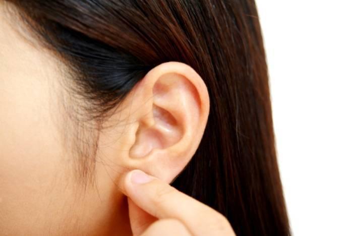 Раздражение на мочке уха
