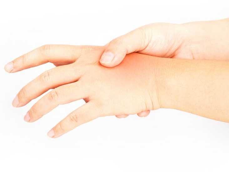 Почему немеют пальцы рук в ночное время и что с этим делать?