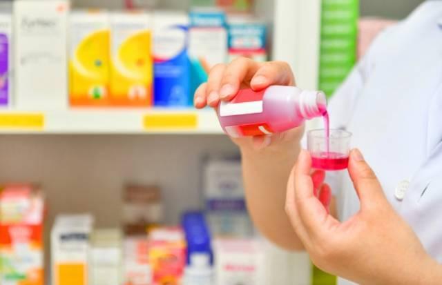 Чем лечить и какие процедуры выбрать при сухом кашле у ребенка