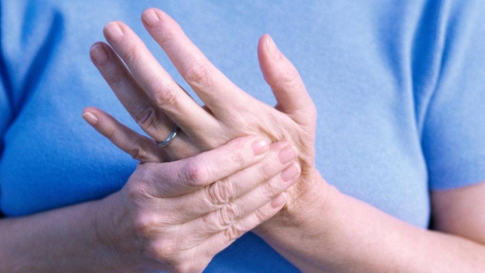 Артрит пальцев рук: симптомы и лечение | все о суставах и связках