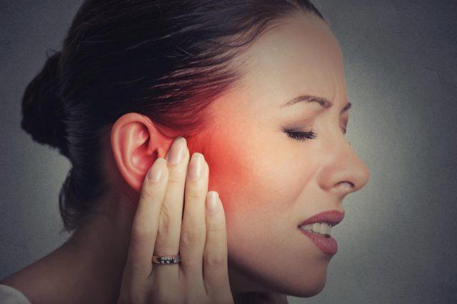 Компрессы на ухо при отите: спиртовые, водочные, согревающие, с димексидом