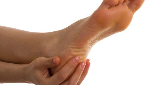 Причины, симптомы и  лечение грибка стопы