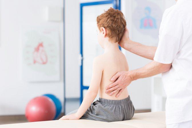 Сколиоз у детей – что влияет на его появление