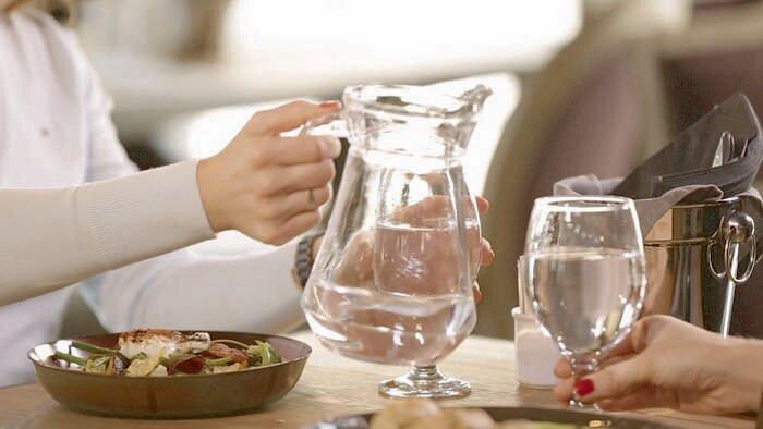 Как и зачем пить воду перед едой, чтобы получить максимальную пользу?