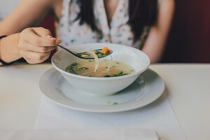 Как приготовить диетический бульон (куриный): рецепт супов для худеющих