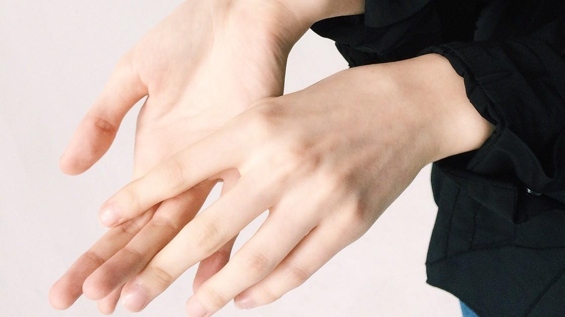 Причины, признаки и симптомы, лечение артрита пальцев рук