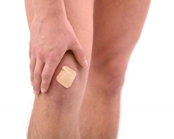 Почему появляются синяки на теле без причины и как быстро убрать гематомы на ногах (руках)