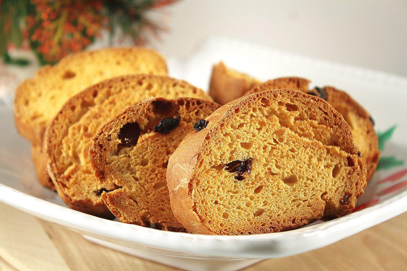 Почему черствый хлеб полезней свежего? что полезнее хлеб или сухари.