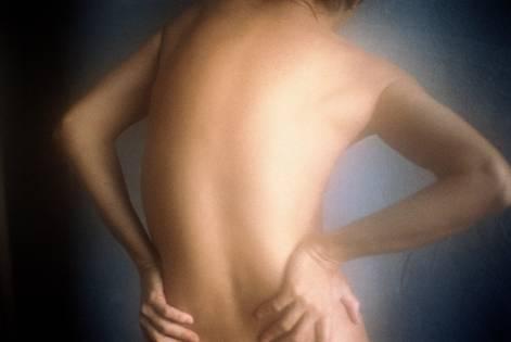 Искривление позвоночника у детей: причины, лечение