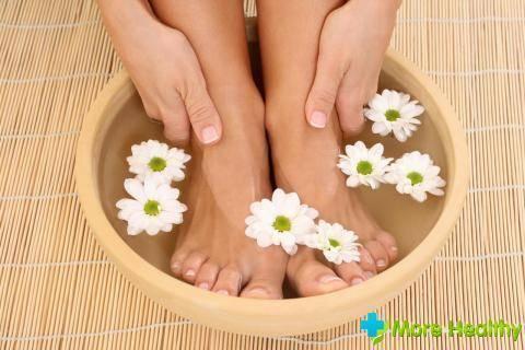 Можно ли парить ноги при бронхите и пневмонии