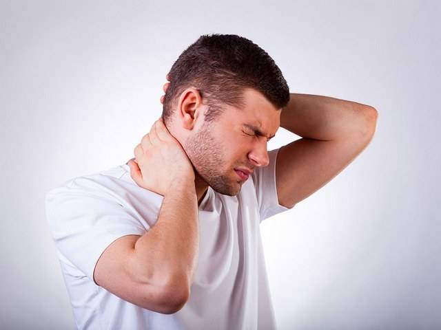 Шишки на спине под кожей около позвоночника чешется