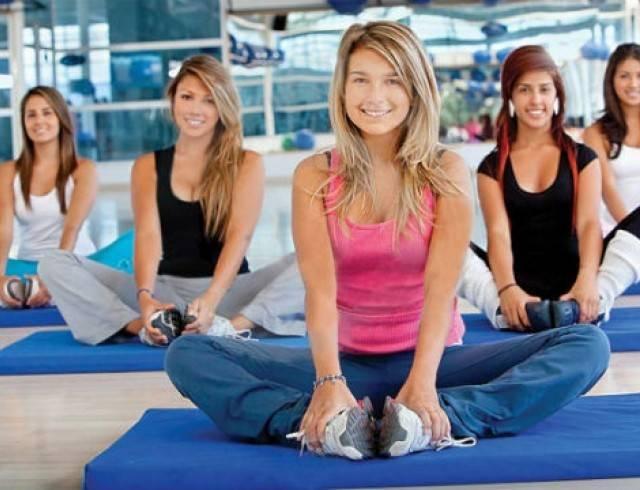 Можно ли заниматься спортом во время месячных. допустимые нагрузки