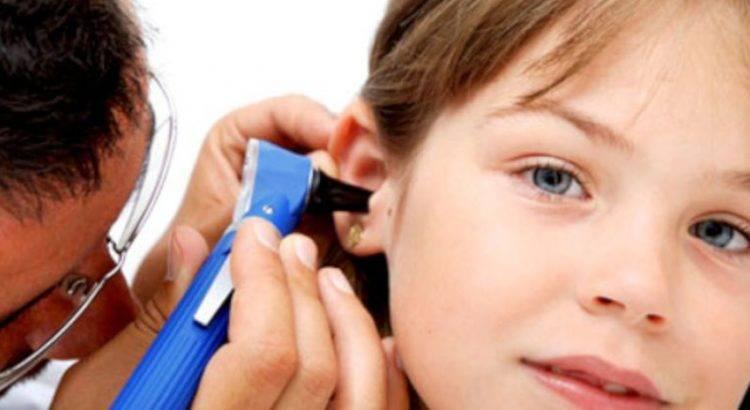 Острый средний отит у детей — причины, симптомы и как лечить