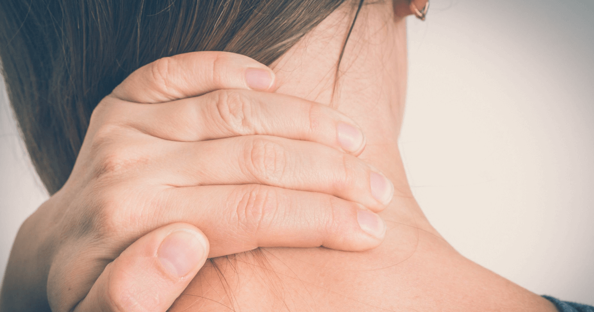 Почему возникают боли в шее и затылке: список причин и способы лечения