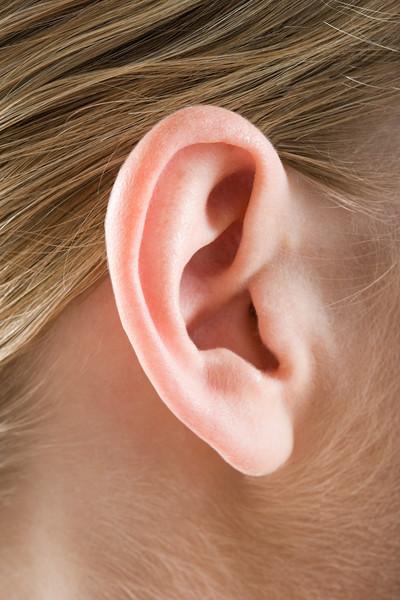 Доктор комаровский о том, что делать, если у ребенка болит ухо