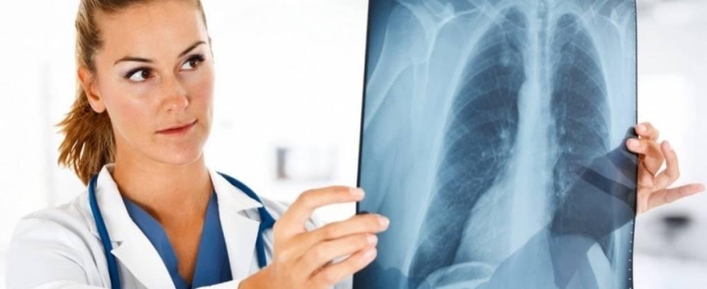 Может ли от пневмонии болеть поясница