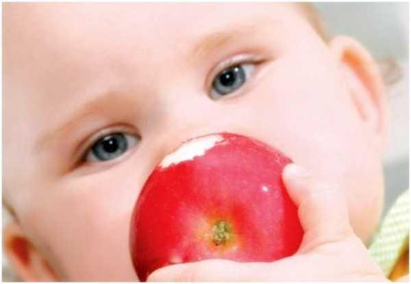 Себорея кожи головы у детей: причины появления и лечение